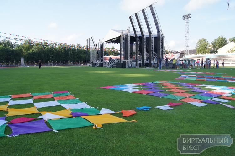 УВД наставляет, артисты репетируют а билеты ещё продаются... Что будет на стадионе?