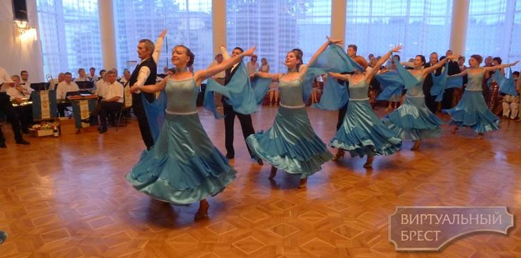 Берестейский бал в Бресте собрал поклонников танца