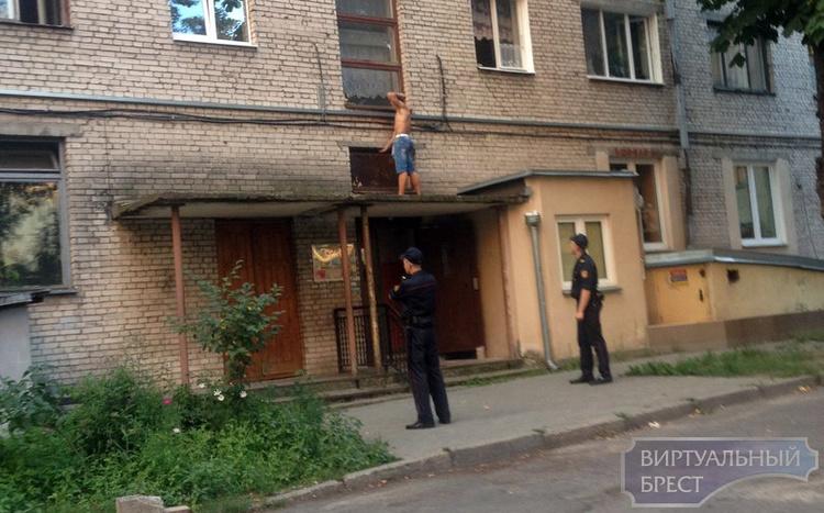 В Бресте бывший десантник разгромил две квартиры