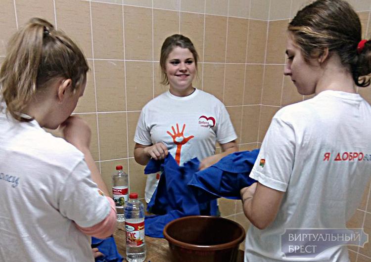 В Московском районе г. Бреста проходит волонтерская акция «Мы -вместе с вами»