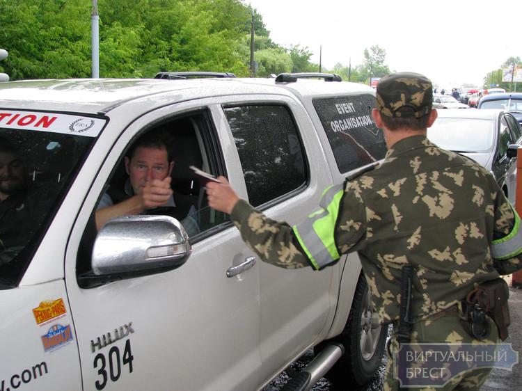 Пограничники предупреждают, что в АПП «Брест» возможны очереди