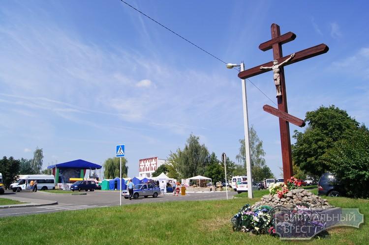 """Районный фестиваль """"Вiстыцкi яблык"""" состоялся под Брестом... Первый блин - яблоком!"""