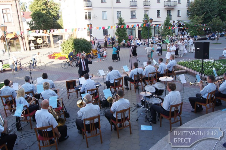 3 июня в Бресте открывается сезон музыкальных вечеров на Советской