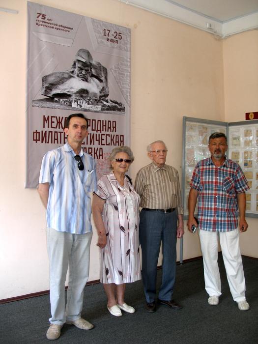"""Как СМИ едва не """"похоронили"""" последнего защитника Брестской крепости"""