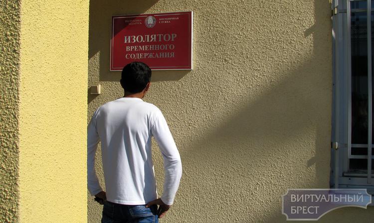 Назвавшись гражданином Армении, мужчина хотел выехать в Польшу по поддельному паспорту