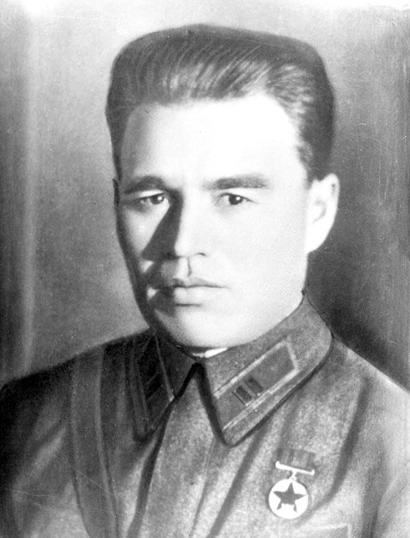 Почему капонир Героя Советского Союза забыт и не обозначен?