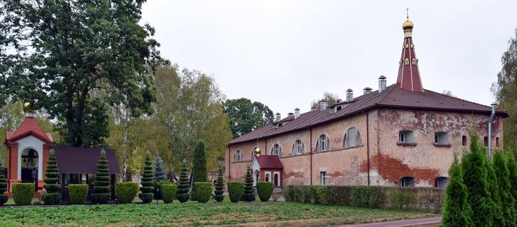 Монастырь в Брестской крепости отметил 15-летие