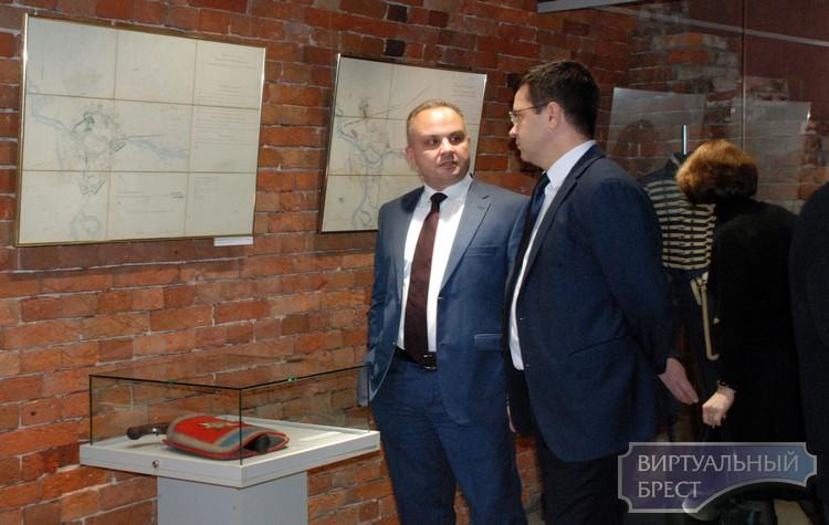 В Бресте открылась выставка «Крепость. История. Раритеты»
