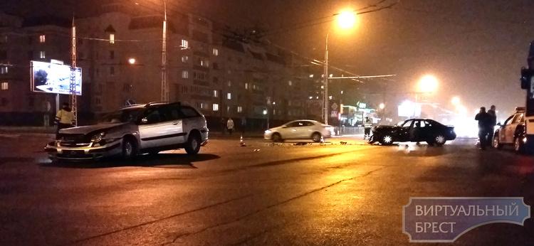 Крупное ДТП на перекрёстке Гаврилова - Московская. Без жертв
