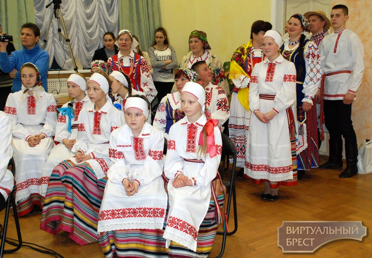 В Брестском ООКЦ прошел этно концерт цикла «Рух зямлi»