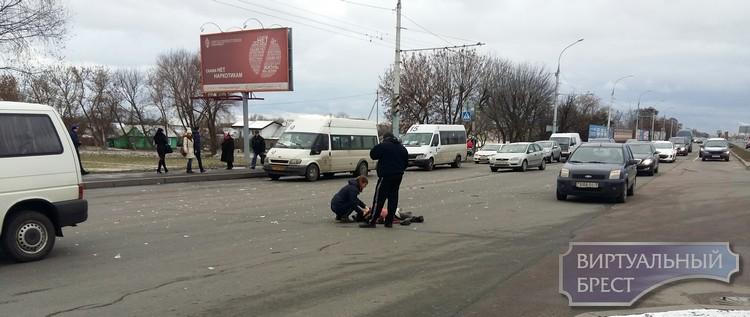 """На Московской напротив """"Короны"""" насмерть сбили женщину"""
