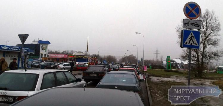 На границе с Польшей отмечаются очереди из автомобилей
