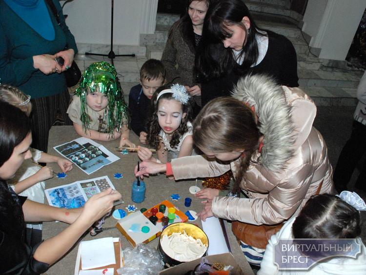 Выставка «Зимнее волшебство» представлена в краеведческом музее