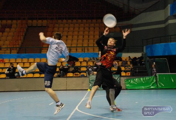 В Бресте состоялся IX Международный зальный турнир по алтимат фрисби «WINTER BREST 2017»