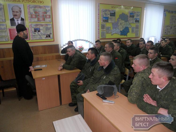 Рождественские встречи прошли в воинских частях Бреста