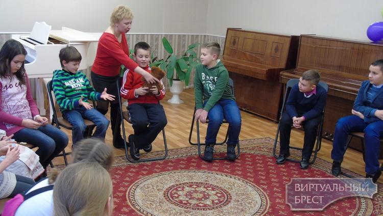 Гимназия №4 г. Бреста принимает с ответным визитом делегацию учителей и учащихся г. Луцка