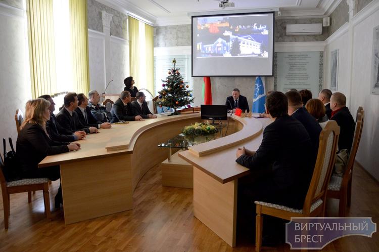 Подведены итоги конкурса новогоднего оформления в Ленинском районе города Бреста