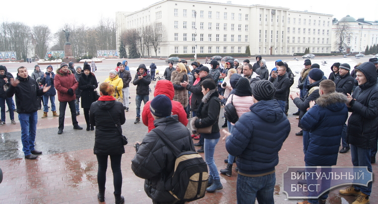 Около ста человек вышли в Бресте на площадь Ленина и высказались против Декрета № 3