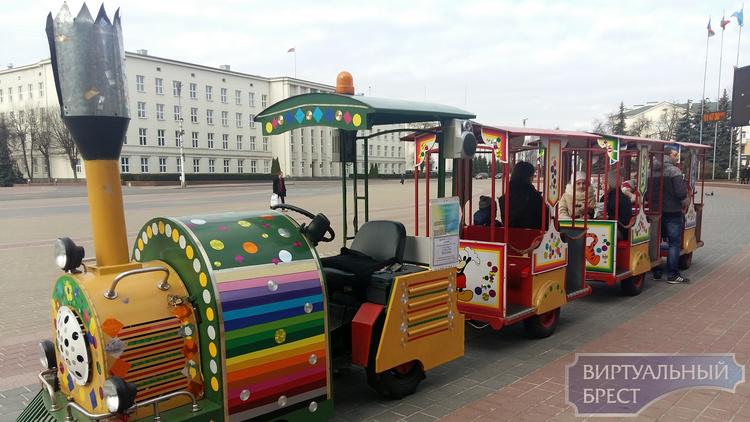 «Весенний калейдоскоп» от Брестское КУП «Парк культуры и отдыха»