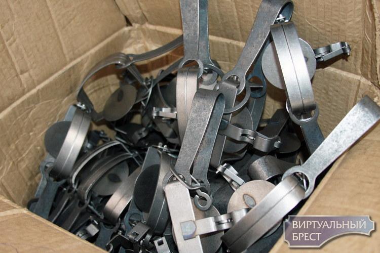 Украинец пытался ввезти в Беларусь 167 металлических капканов