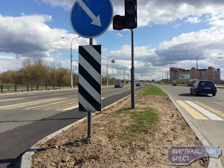 На проспекте Республики убрали пешеходный переход и добавили полосу для поворота налево