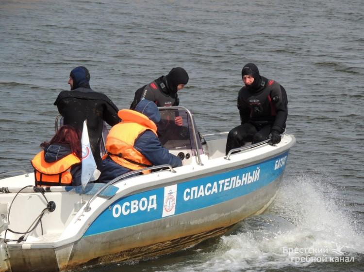 За безопасность у воды: ОСВОД провело интерактивную акцию на гребном канале