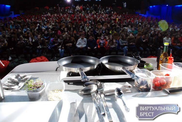 Кулинарное шоу устроили в Бресте перед показом фильма «Кухня. Последняя битва»
