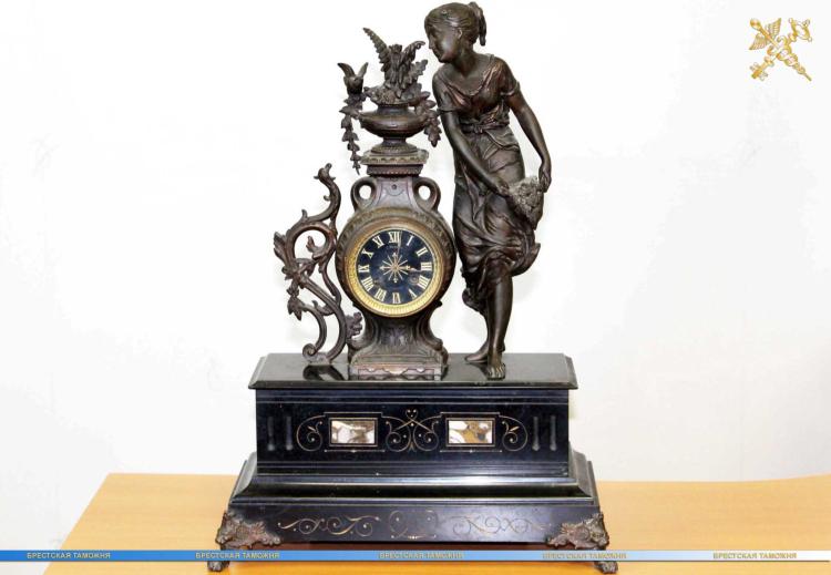 Каминные часы XIX века признали культурной ценностью