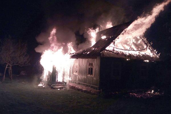 В Каменецком районе двое милиционеров спасли от пожара деревню