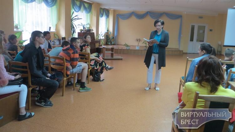 Сустрэча з пісьменнікам і фотамастаком Васілём Жушмам адбылася ў Брэсце
