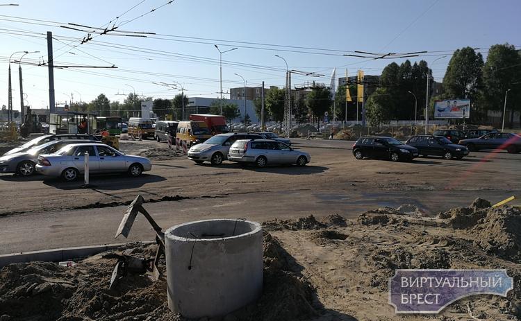 Перекрёсток Партизанского и Я.Купалы готовят к асфальтированию