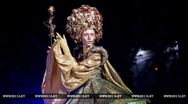 "Площадную пантомиму показали на фестивале ""Белая вежа"""