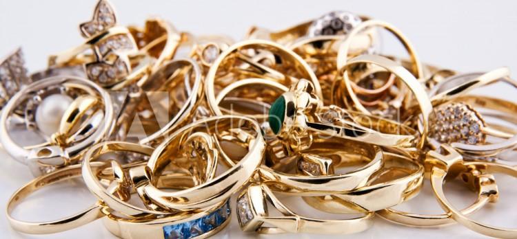 Изделия из драгметаллов на Br70 тыс. изъяли у двух жителей Столинского района