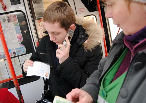 Брестгортранс: проезд в общественном транспорте детей с семи лет - платный, кроме...