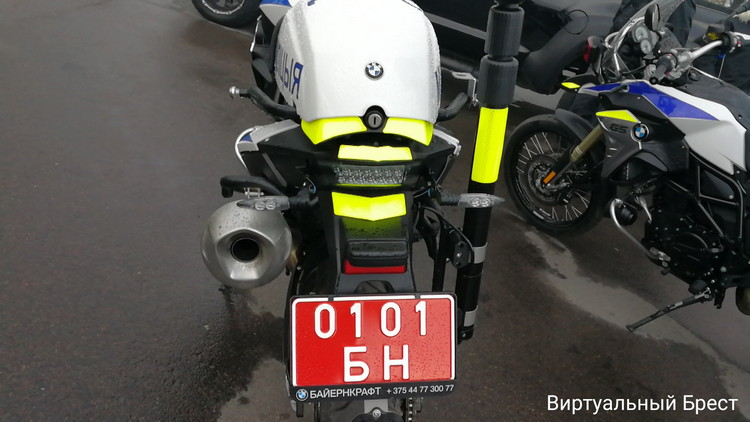 ГАИ и мотоциклисты символически закрыли байк-сезон