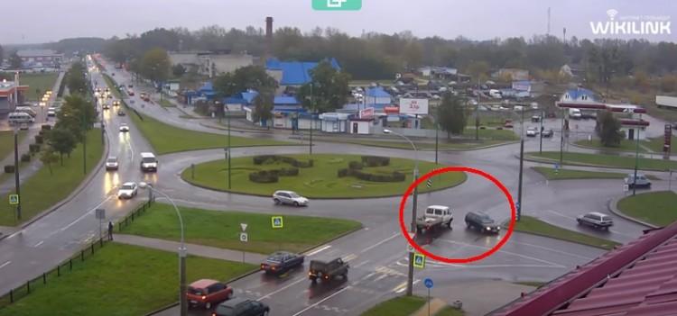 """Нетипичная авария на типичном месте перед """"вульковским кольцом"""""""