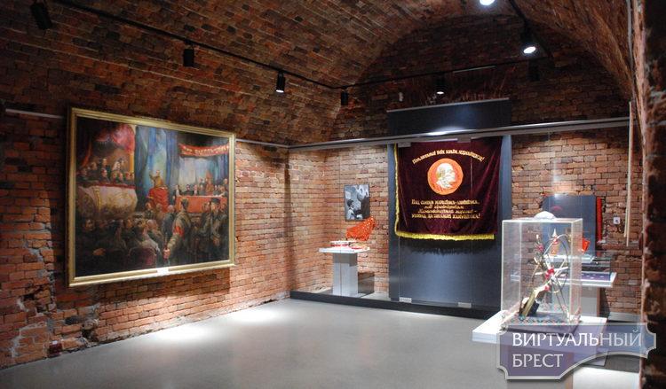 В Брестской крепости открылась выставка «Октябрь 1917». При чём тут салат «Оливье»?