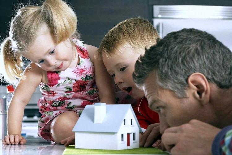 О господдержке многодетных семей при строительстве индивидуальных жилых домов