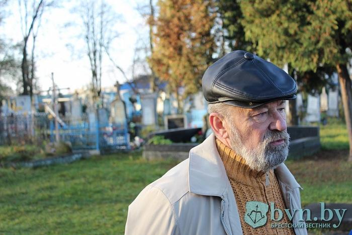 Надгробие украинского писателя Алексея Стороженко реставрировали в Бресте