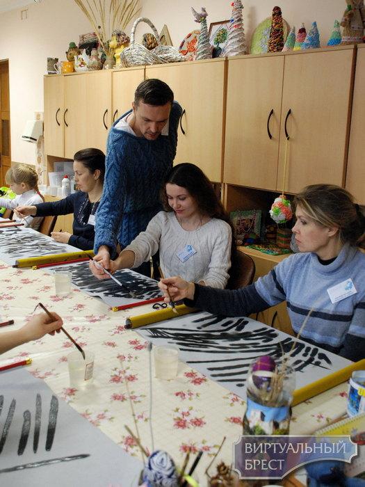 В Бресте прошел мастер класс по китайской живописи У-Син