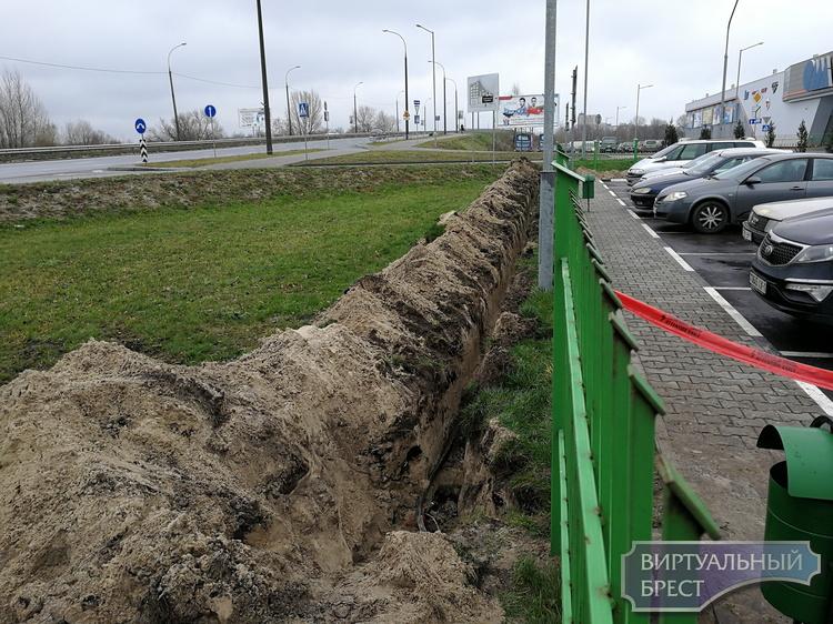 До конца года в Бресте появится зарядная станция для электромобилей, идёт её установка
