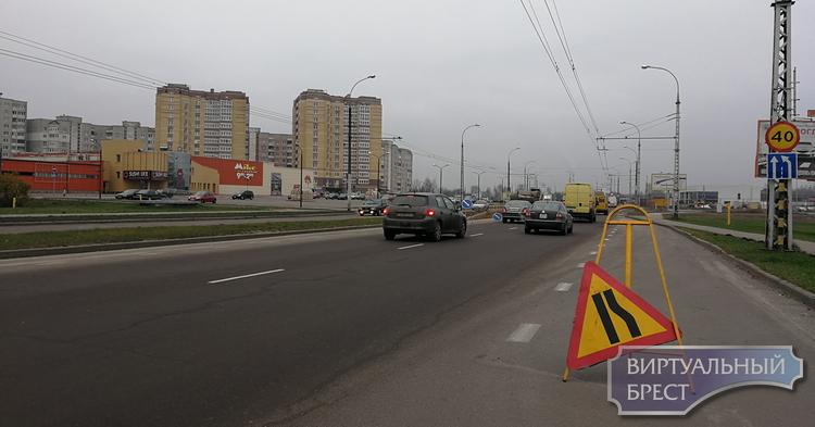 На ул. 28-го Июля устанавливают светофор напротив нового гипермаркета