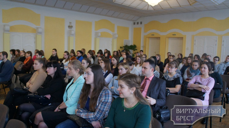 В Ленинском районе прошел «круглый стол»  для молодых специалистов