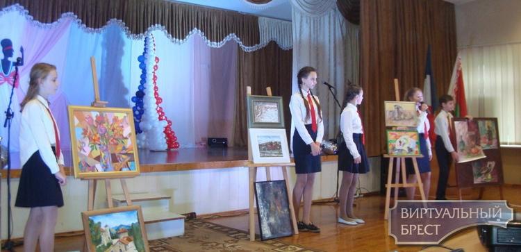 Семья билингвистов в Бресте пополнилась 32 учащимися