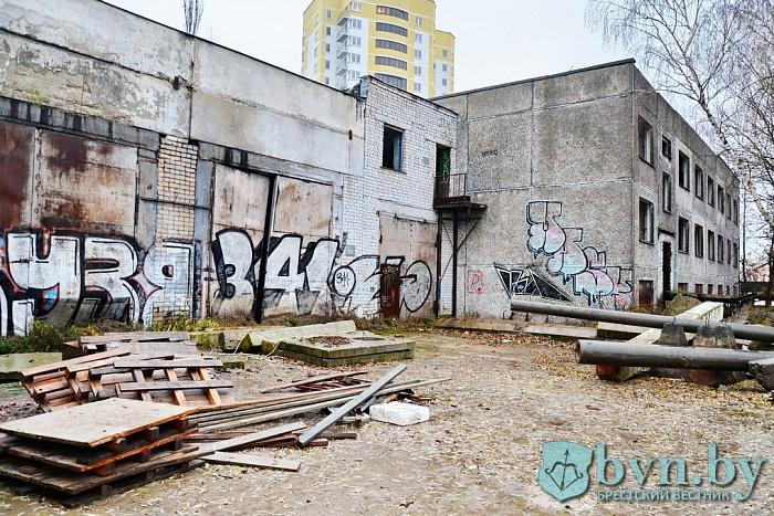 Недостроенные и заброшенные здания обследовала прокуратура в Бресте