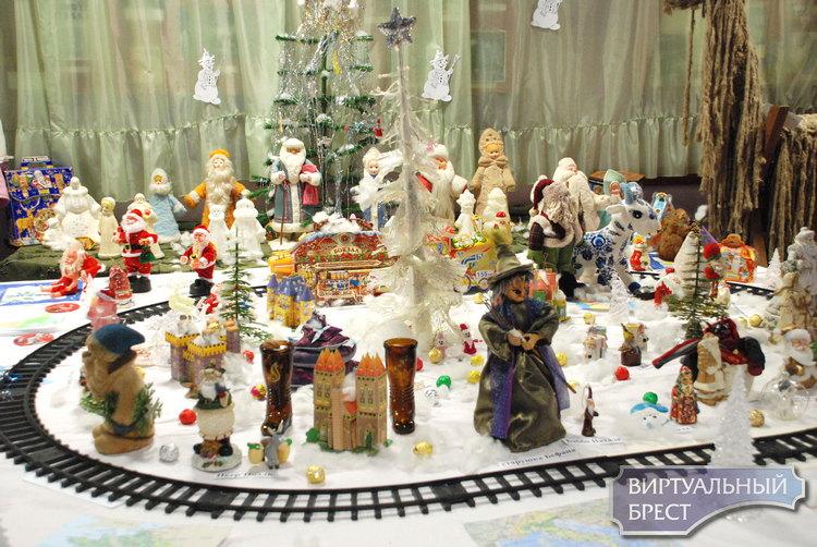 «Ах, эти разные Деды Морозы!» в рамках проекта «Мировые легенды в коллекциях горожан»