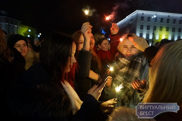 Дискотеки у Новогодних ёлок в г.Бресте: где, когда?