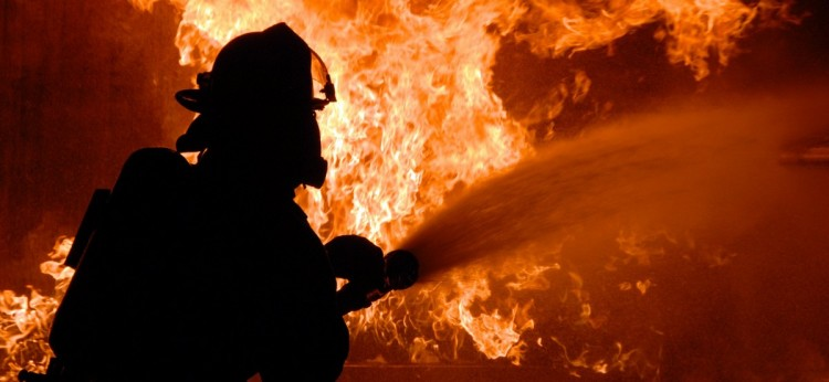 В результате пожара на 3-ем Заводском переулке погибла женщина, её муж и дочь спаслись