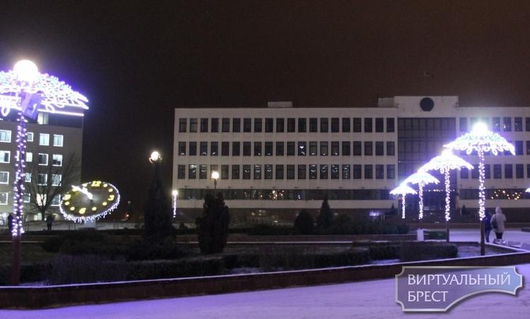 В подарок жителям Московского района города Бреста - часы