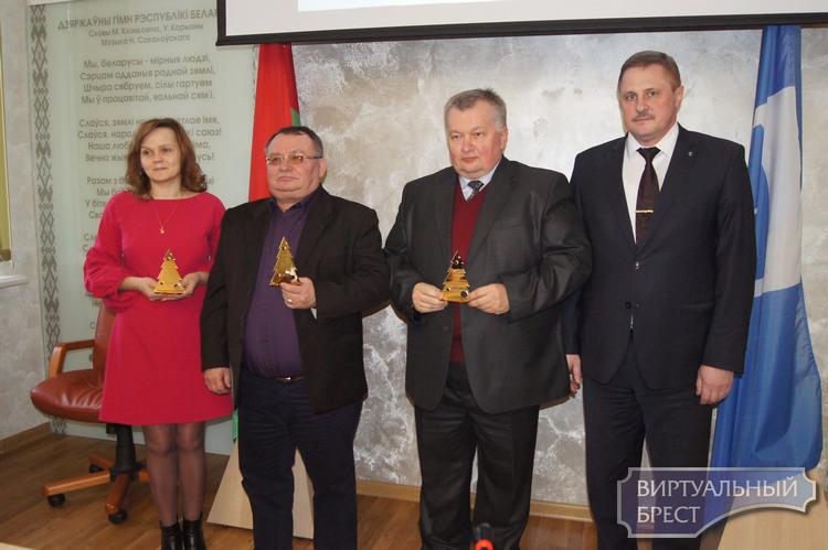 Подведены итоги конкурса новогоднего оформления Ленинского района, награждены победители